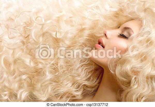 fason, kędzierzawy, zdrowy, kudły, falisty, hair., dziewczyna - csp13137712