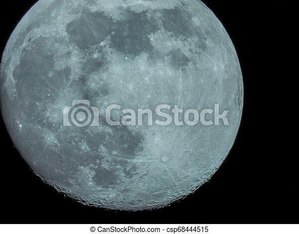 fast, nacht, voll, himmelsgewölbe, mond - csp68444515