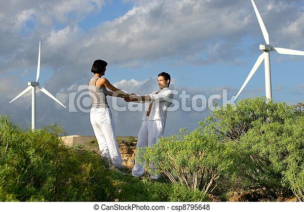 fattoria coppia stato piedi vento foto cerca