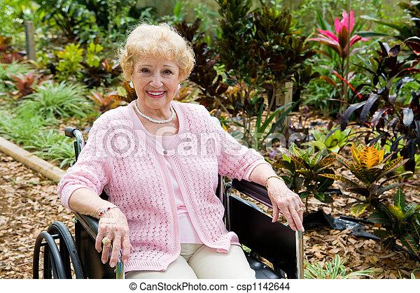 fauteuil roulant, femme, copyspace - csp1142644