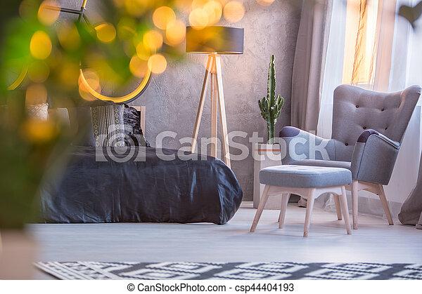 Fauteuil, tabouret, chambre à coucher. Tabouret, fauteuil, gris, lit ...