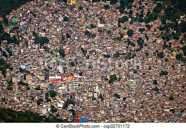 Favela da rocinha - csp32701172