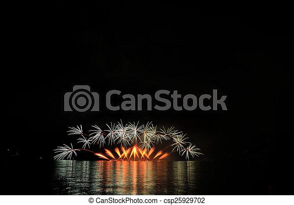 Feiern - csp25929702