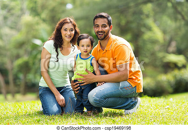 felice, indiano, famiglia, fuori - csp19469198