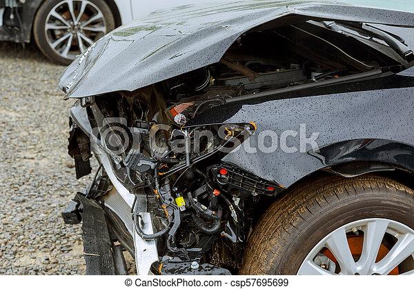 felrobbanás, baleset, lenni, elülső, autó, után, törött, hajlandó, kapart, kilátás - csp57695699
