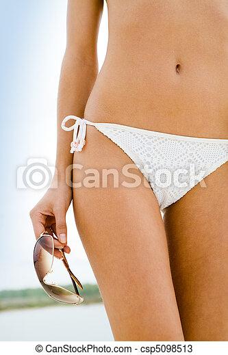 Female body - csp5098513