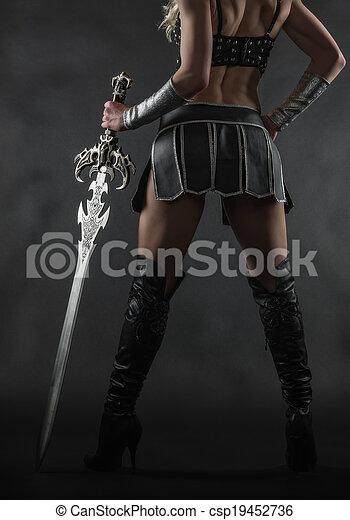 femme, épée - csp19452736