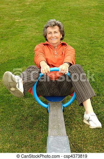 femme aînée, cour de récréation - csp4373819
