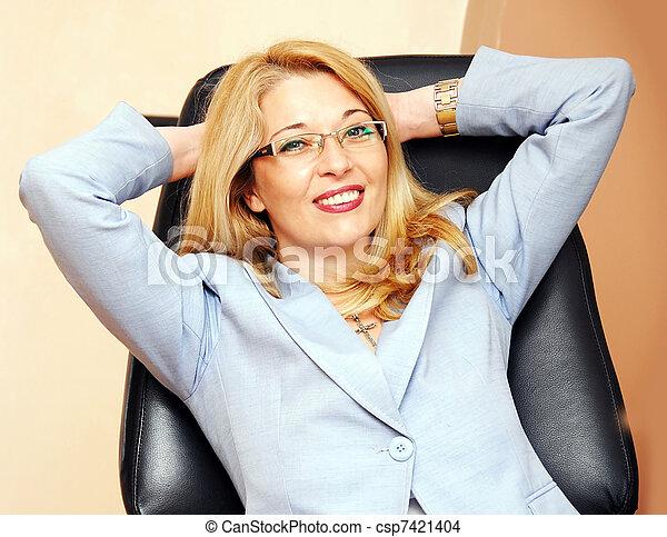 femme affaires, geste, lunettes - csp7421404
