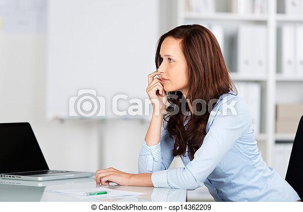 femme affaires, inquiété - csp14362209