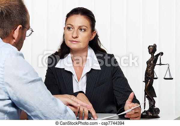 femme affaires, lettre lecture - csp7744394