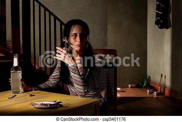 femme, alcoolique - csp3401176