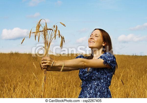 femme, blé, tenue, paquet, oreilles - csp2267405