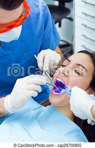 femme, bouche, jeune, mignon, dentist., vérification - csp29702955