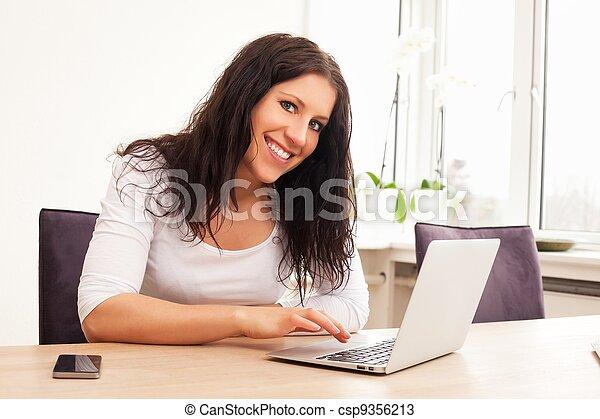 femme, brouter, internet - csp9356213