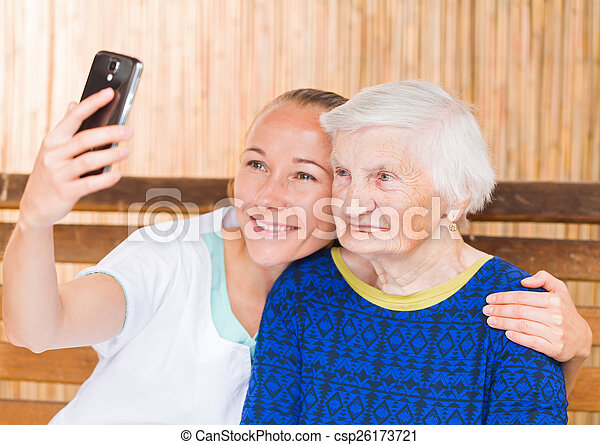 femme, caregiver, personnes agées - csp26173721