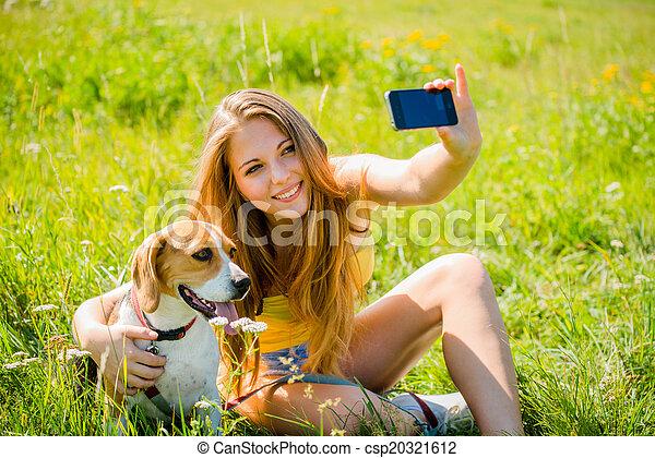 femme, chien - csp20321612