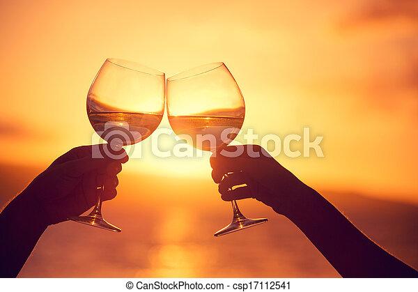 femme, ciel, clanging, lunettes, dramatique, coucher soleil, fond, vin, champagne, homme - csp17112541