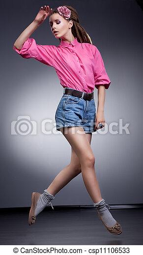 femme, coup, short, jean, jeune, élégant, courant, studio - csp11106533