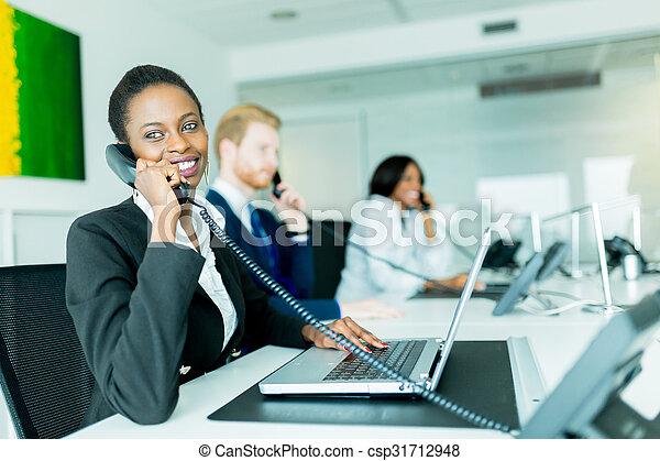 Femme fin bureau fonctionnement noir jeune beau elle autre