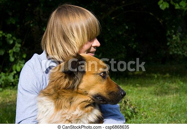 femme, jeune, elle, chien - csp6868635