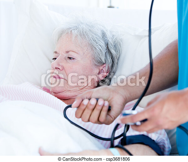 femme, lit hôpital, malade, personne agee, mensonge - csp3681806