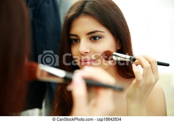 femme, maquillage, jeune, miroir, regarder, beau, quoique - csp18842834