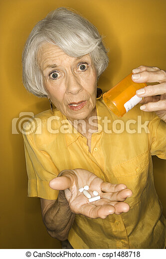 femme, medication. - csp1488718
