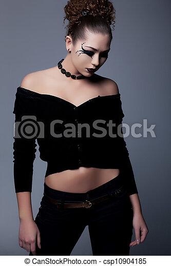 femme, peint, figure, dramatique, poser, artistique, style. - csp10904185