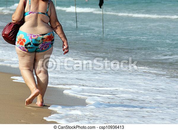 femme, plage - csp10936413