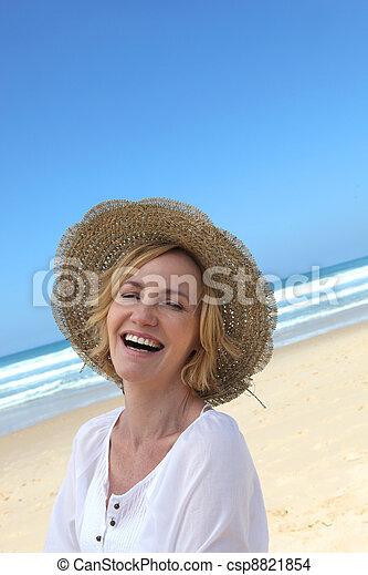 femme, plage - csp8821854