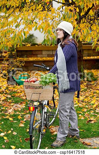 femme, vélo - csp16417518