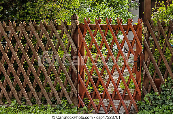 fence entr e jardin bois treillis grille. Black Bedroom Furniture Sets. Home Design Ideas