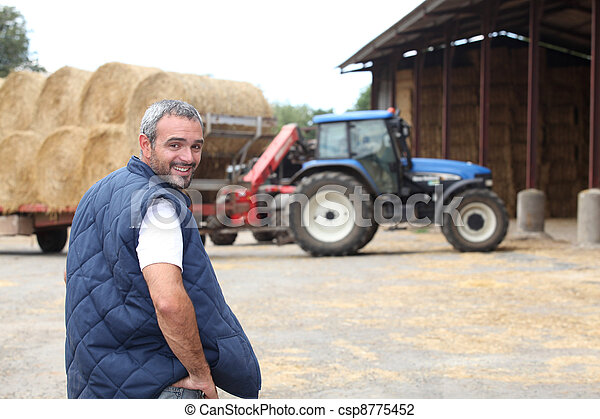 feno, agricultor, estava pé, celeiro - csp8775452