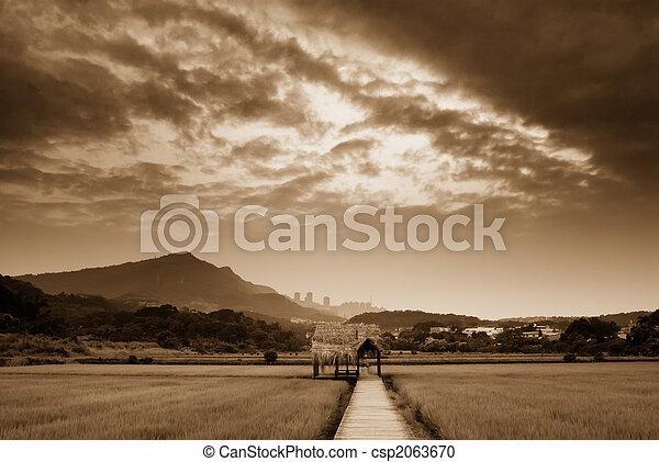 ferme, sur, nuages - csp2063670