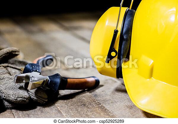 ferramentas, tools., proteção, ouvindo, equipamento, oficina, segurança, tabela., capacete - csp52925289