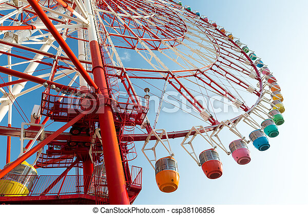 Ferris wheel from low angle - csp38106856