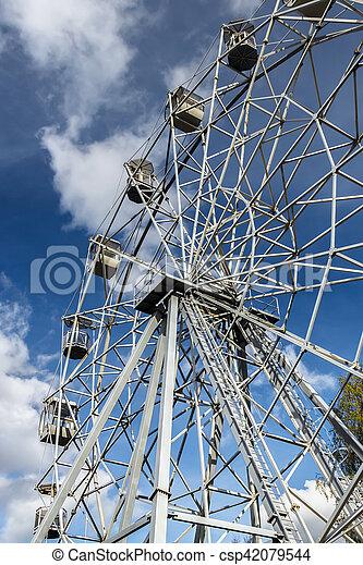 Ferris wheel in the city park. Autumn - csp42079544