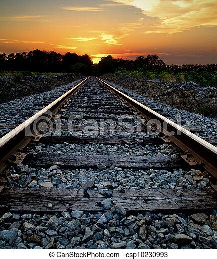 ferrovia, pôr do sol - csp10230993
