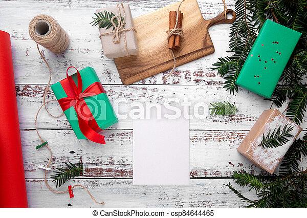 feuille, suivant, dons, blanc, papier, table, mensonges - csp84644465