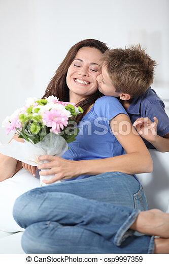 fiú, kevés, övé, anya, anyu, csókolózás, nap - csp9997359