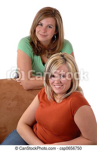 fiatal, 2 women - csp0656750