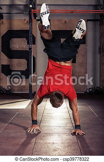 ficar, andar, seu, atleta, baixo, parte superior, mãos - csp39778322