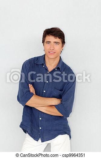 ficar, jovem, fundo, retrato, branca, homem - csp9964351