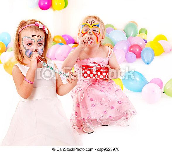 Fiesta de cumpleaños infantil. - csp9523978