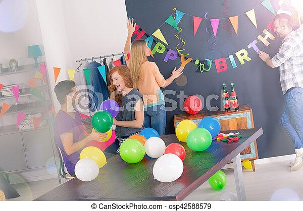 Fiesta decorar cumplea os habitaci n habitaci n for Cuarto adornado para cumpleanos