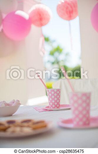 Fiesta Con La Familia Para El Cumpleaños De La Niña