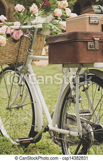 fiets, akker, ouderwetse  - csp14382831