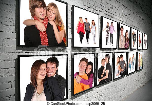 Filas, gente, pared, dos, collage, marcos, ladrillo, blanco.