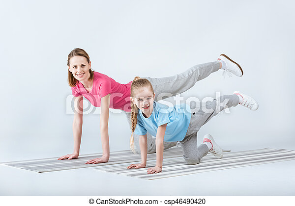 Fille sportif exercisme ensemble m re sourire blanc photo de stock rechercher images - Ensemble mere fille ...